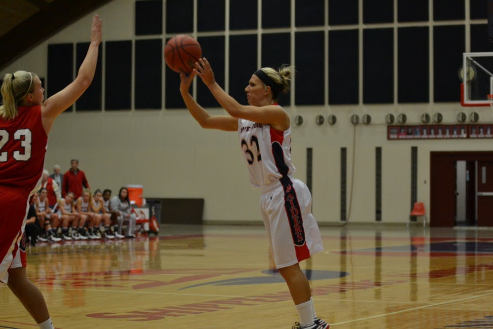 Women's basketball rebounds from tough loss on Friday