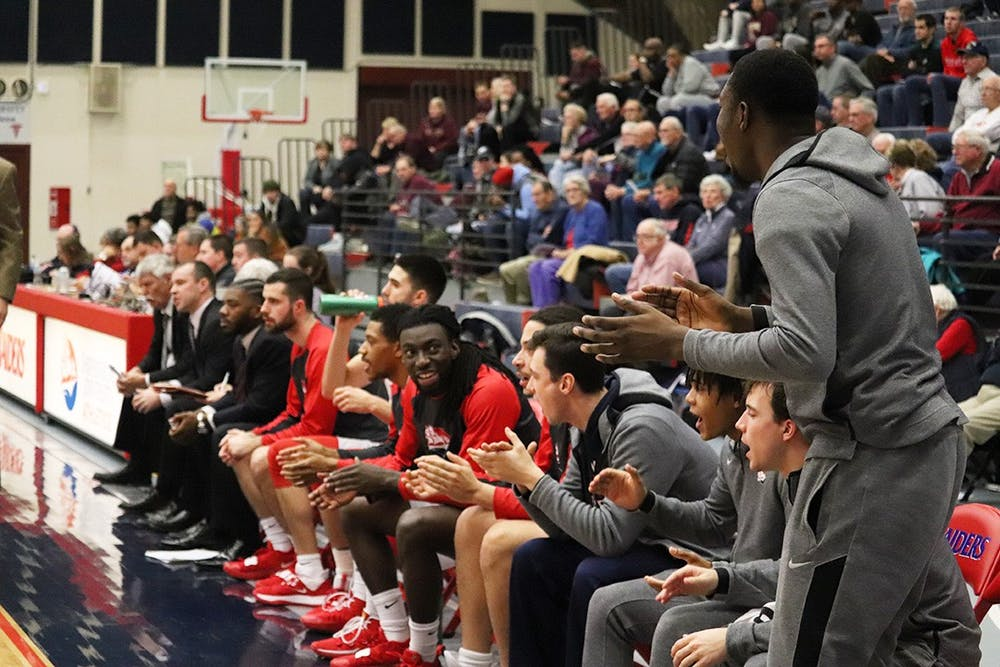 Men's hoops win streak reaches nine
