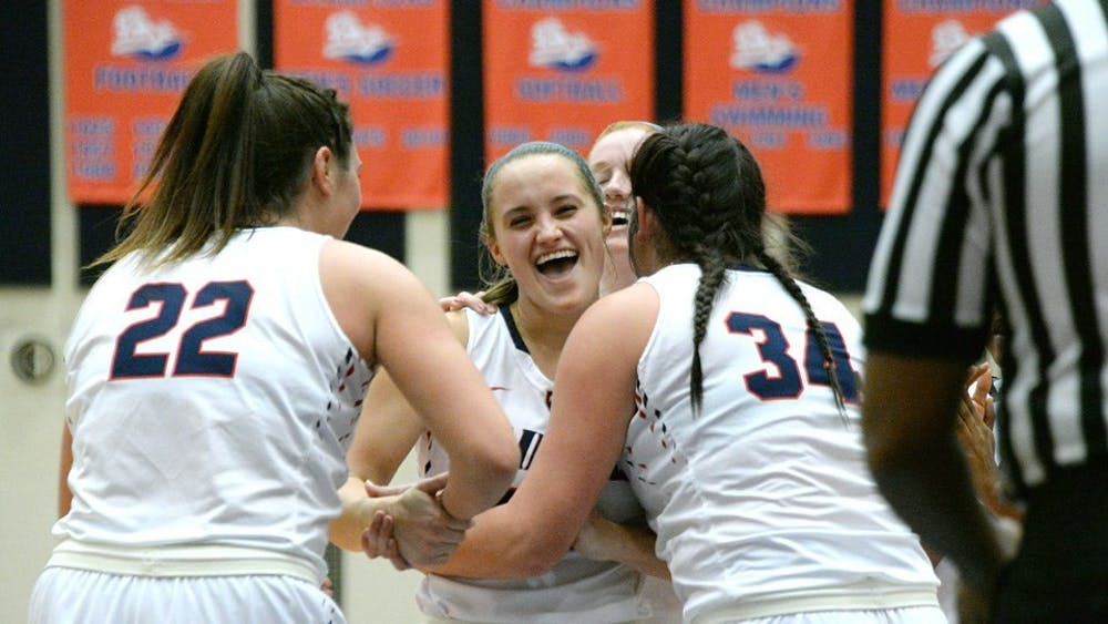 Snyder scores 1,000th career point, Raiders stomp Golden Rams 82–48