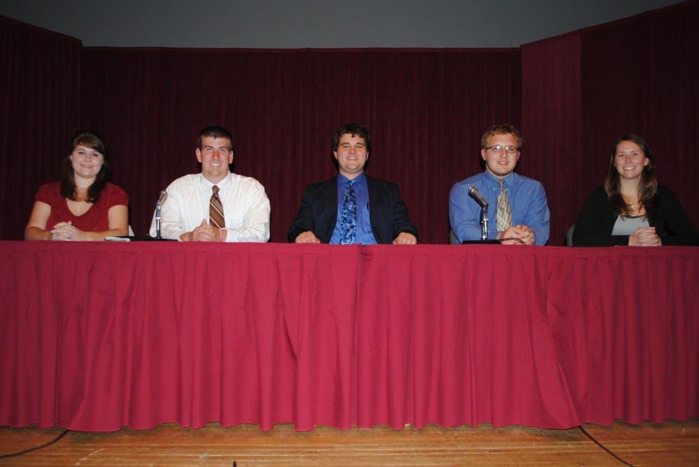 History Club hosts roaring debate at SU