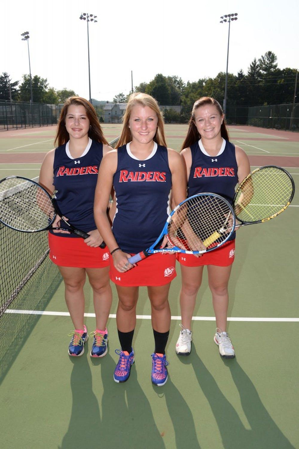 Women's tennis drops set of PSAC matches
