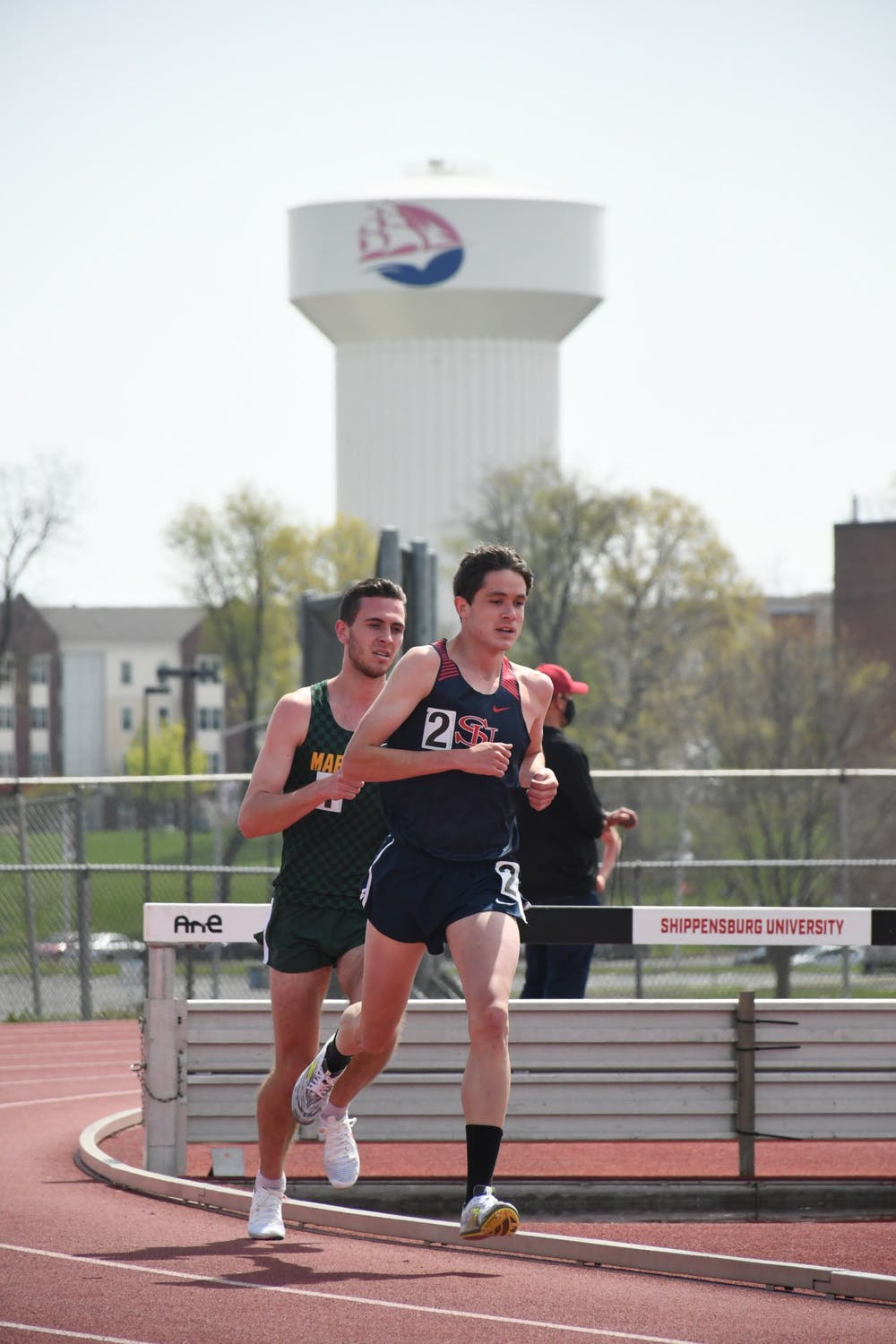 Macknair paces men, Graybill improves record, T&F notches 18 wins at Paul Kaiser Classic
