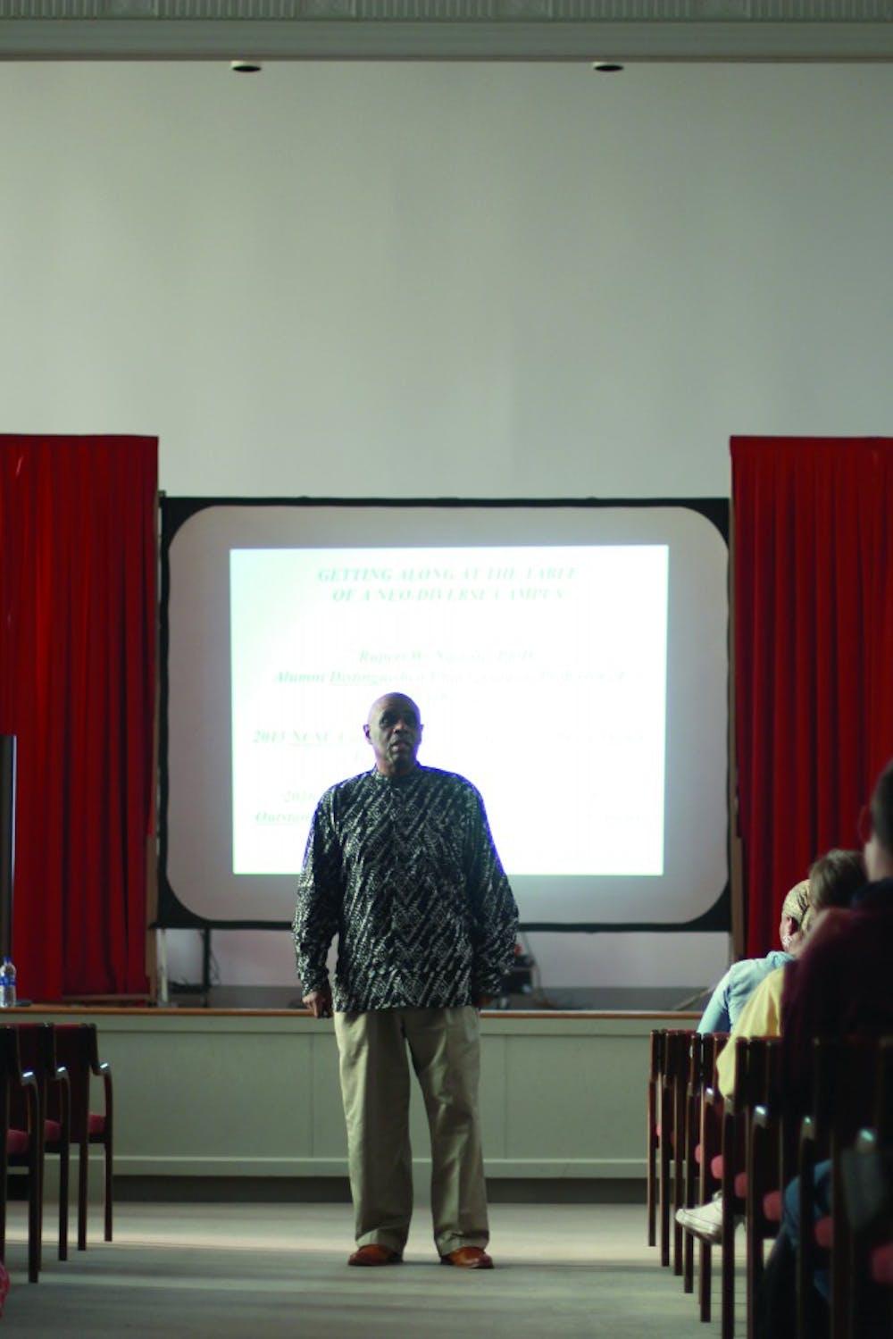 Lecture explains Neo-diversity