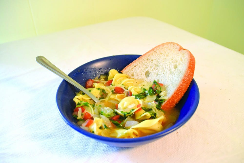How to make spinach, tomato and tortellini soup