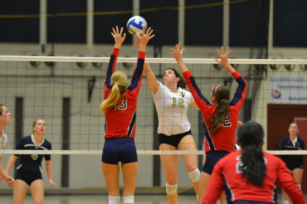 Volleyball cruises to victory in double-dip