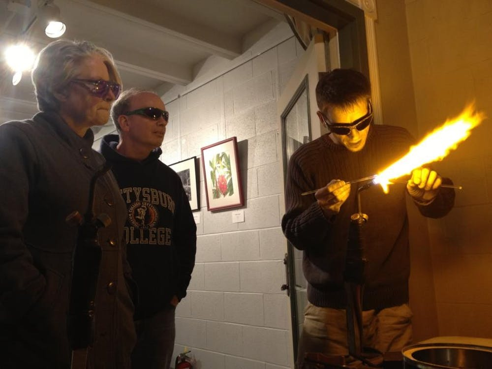 SHAPE Gallery gets hot, hot, hot with workshops