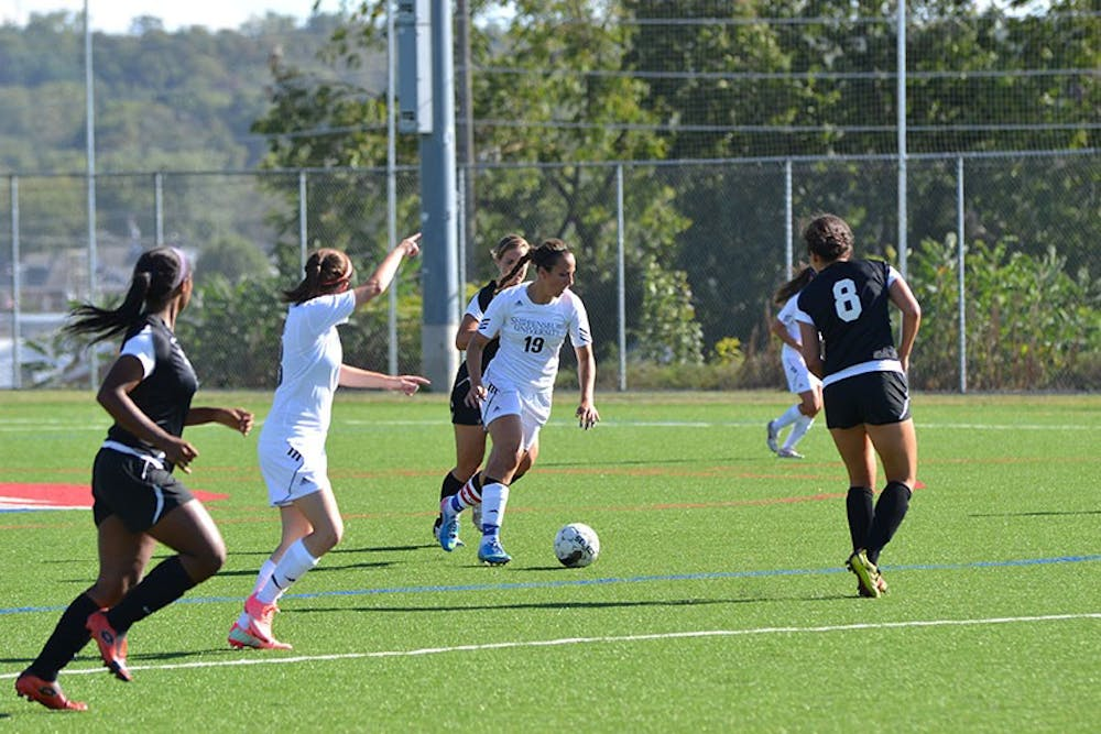 Women's Soccer: Golden Eagles clip Raiders