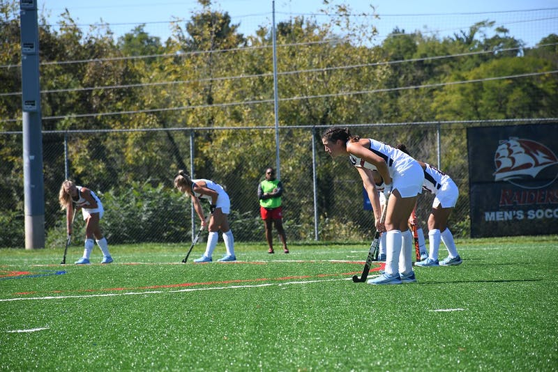 Shippensburg's field hockey team moves to 6-0 on the season after picking up wins over Mansfield Univeristy and Queens University of Charlotte this weekend.
