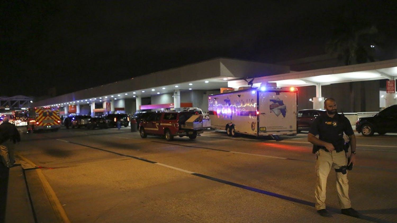 Outside Fort Lauderdale-Hollywood International Airport on Friday, Jan. 6, 2017, in Fort Lauderdale, Fla. (David Santiago/El Nuevo Herald/TNS)