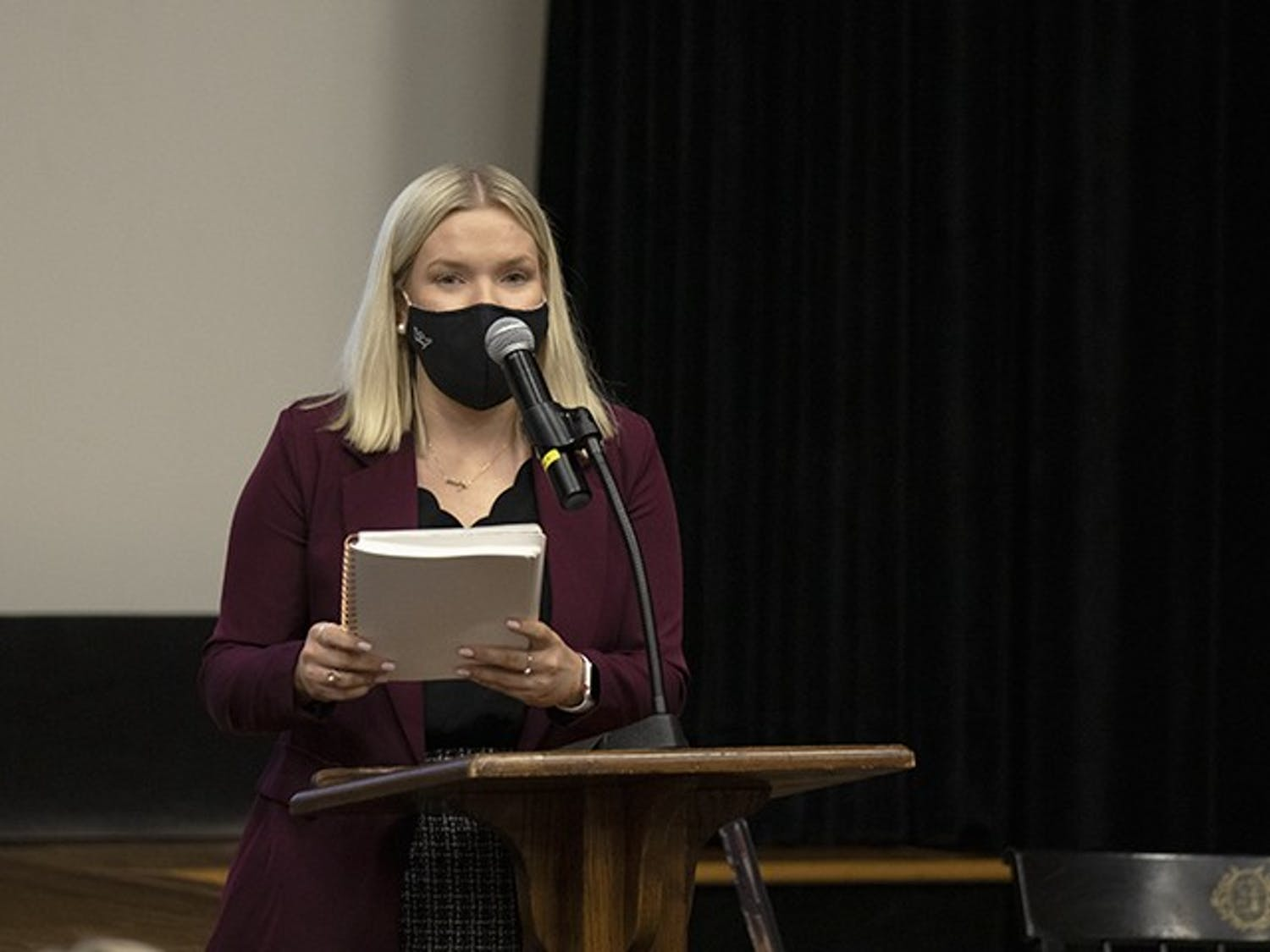 Student Body President Issy Rushton speaks to student senate in September of 2020.