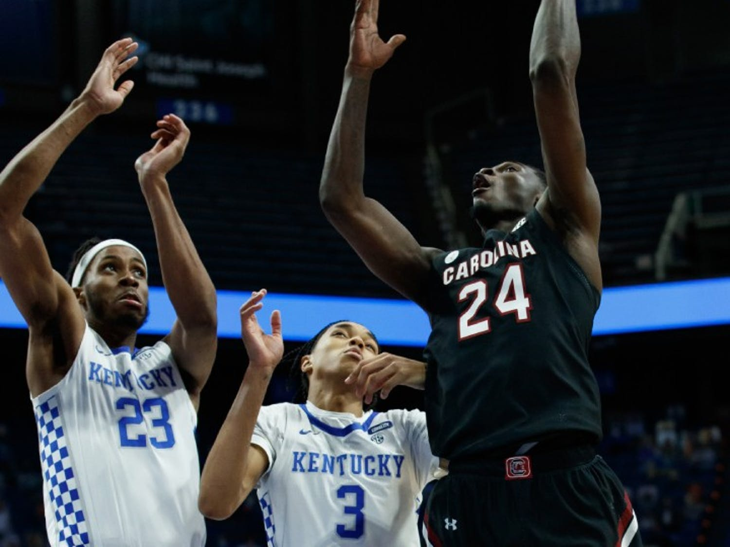 Junior forward Keyshawn Bryant goes for a layup in South Carolina's loss to Kentucky on Saturday. The Gamecocks fell to 6-14 after the loss.