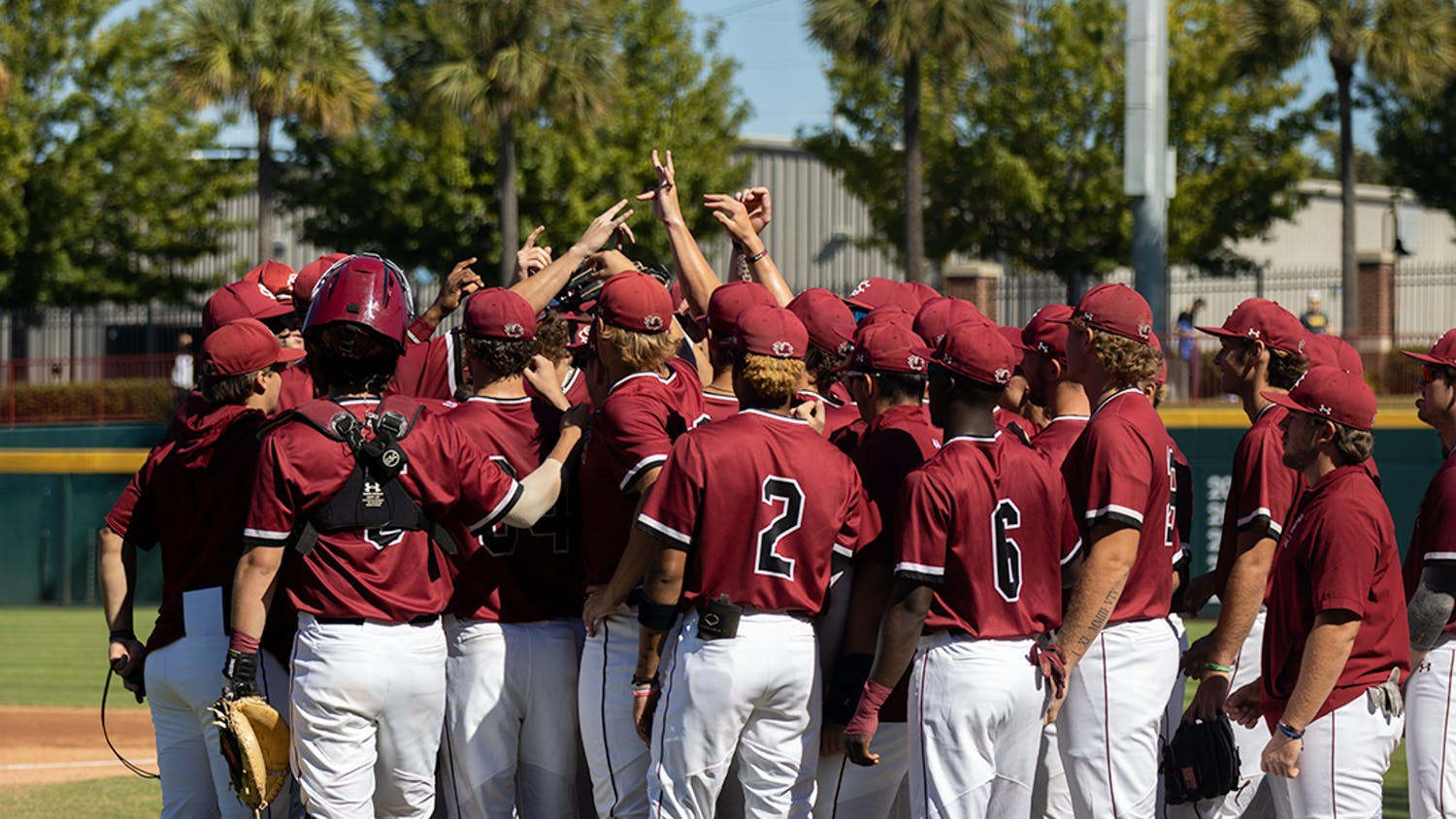 The Gamecocks group up before the first scrimmage against UNCW on Oct. 23, 2021. The Gamecocks tied the first scrimmage 7-7, and then won 8-4 in the second.