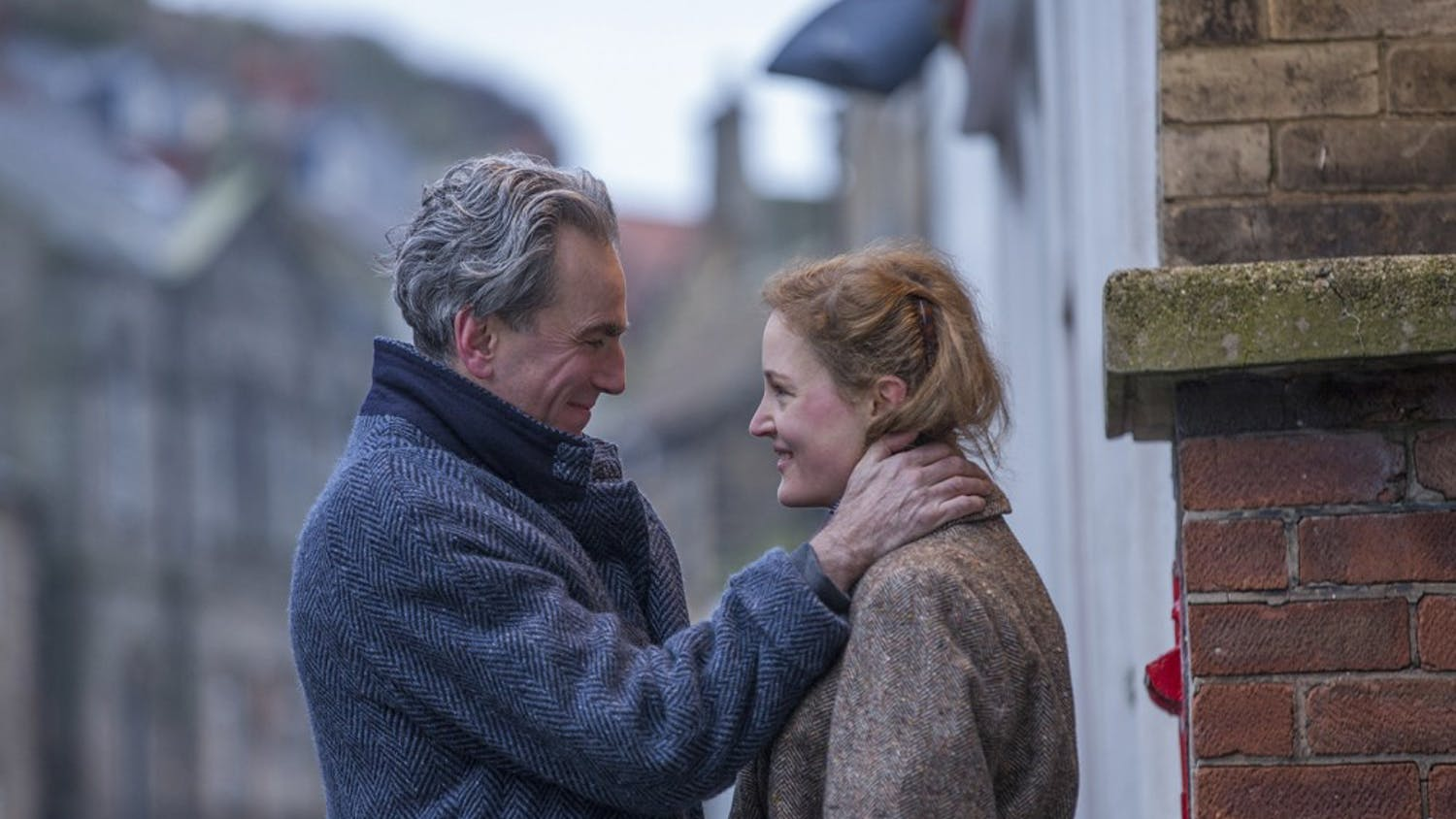 """Daniel Day-Lewis stars as Reynolds Woodcock and Vicky Krieps stars as Alma in the film, """"Phantom Thread."""" (Laurie Sparham/Focus Features)"""