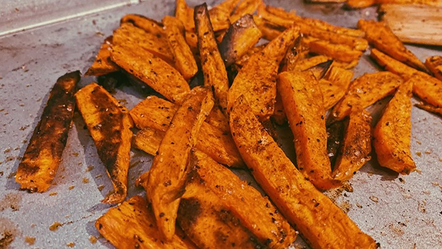 Garlic sweet potato fries are a healthy and easy alternative to regular fries.