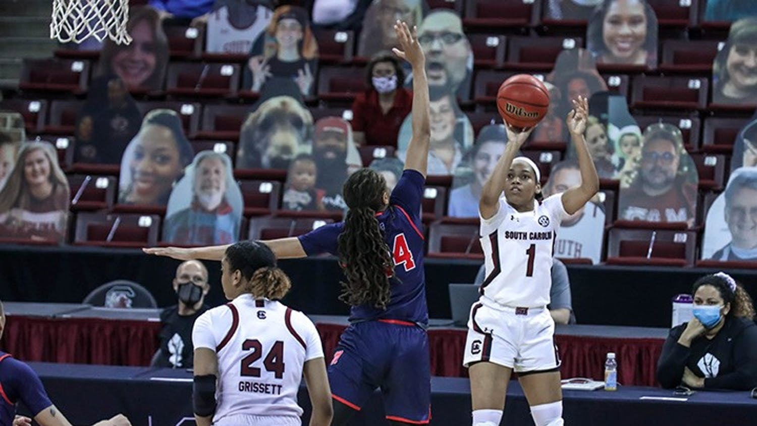Sophomore guard Zia Cooke shoots the ball during the game against Ole Miss. South Carolina won 68-43.