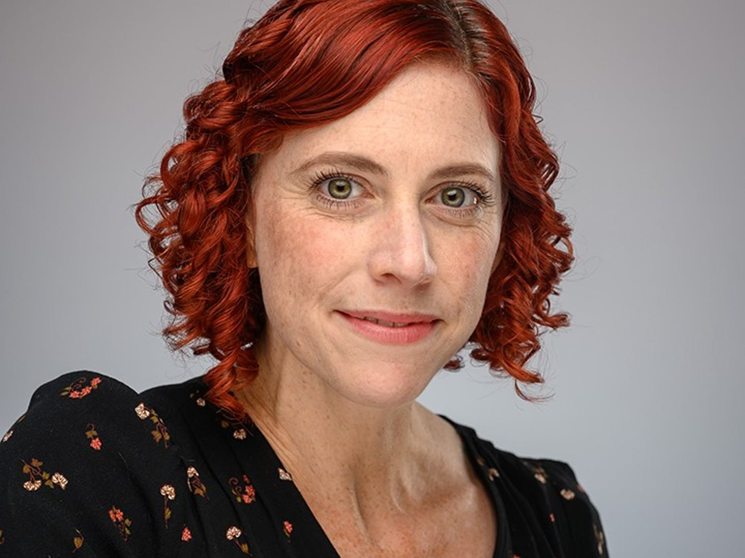 Sharon DeWitte poses for a headshot. DeWitte is a professor of anthropology at USC who researches diseases and their effects on society.