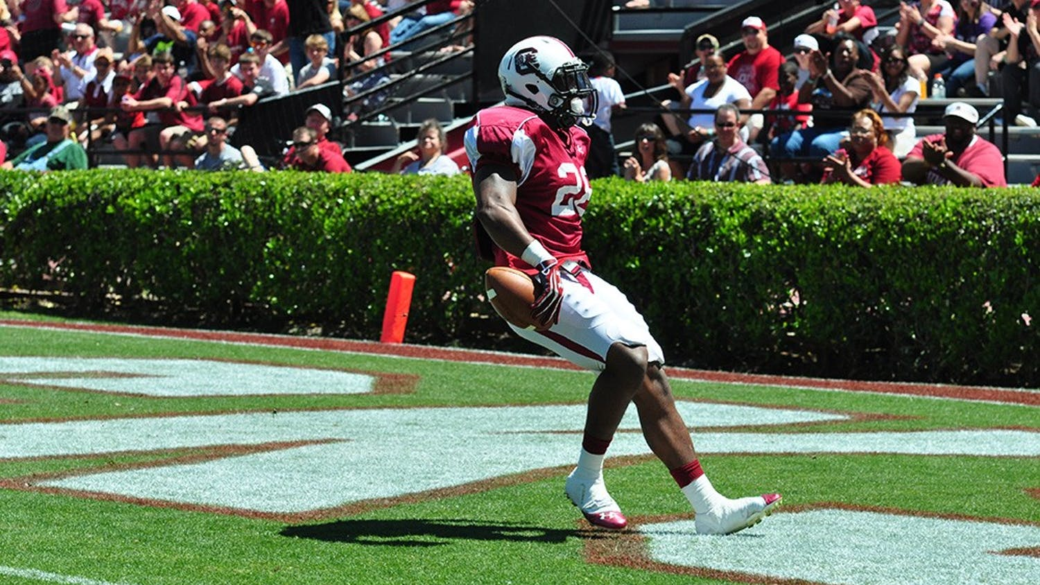Sophomore Mike Davis (above) and redshirt sophomore Brandon Wilds will be USC's top two tailbacks this fall.