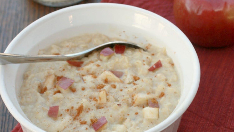 Overnight Apple Cinnamon Oatmeal Breakfast Custard. (Healthyeating.org)