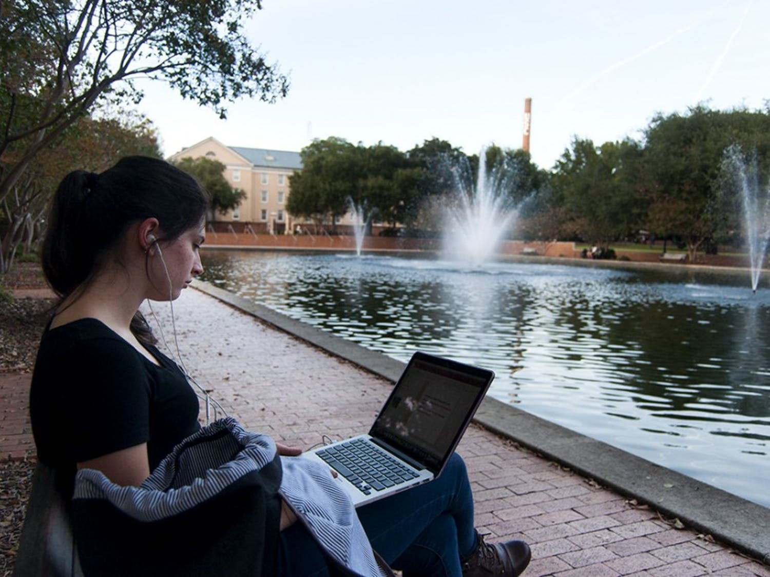 Unique playlists can enhance studying, increasing efficiency.
