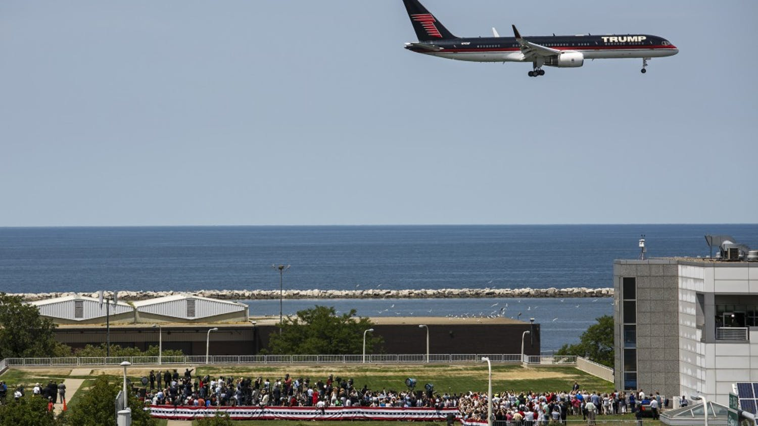 Donald Trump arrives in his airplane as he flies over a campaign rally at the Great Lakes Science Center during the Republican National Convention in Cleveland on Wednesday, July 20, 2016. (Marcus Yam/Los Angeles Times/TNS)