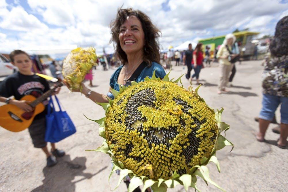 082813_sunflowerfestival_as_web