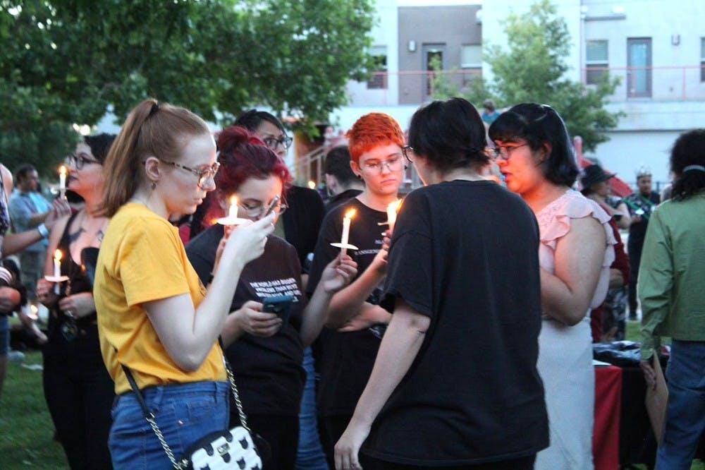 candlelight-vigil-lauren