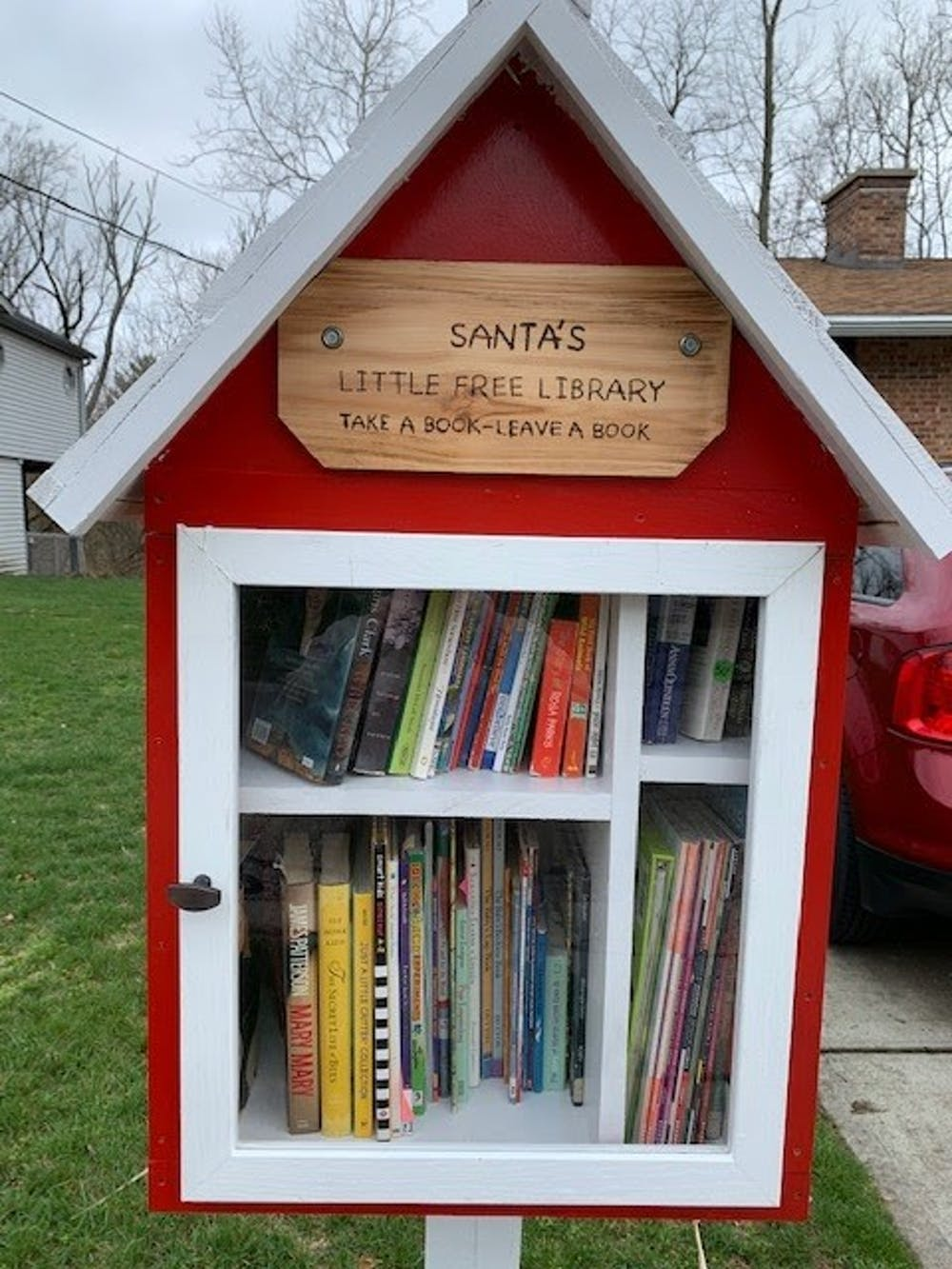 <p>Trying to keep a sense of community during the pandemic, one Oxford resident has created a little library in front of his home.</p>