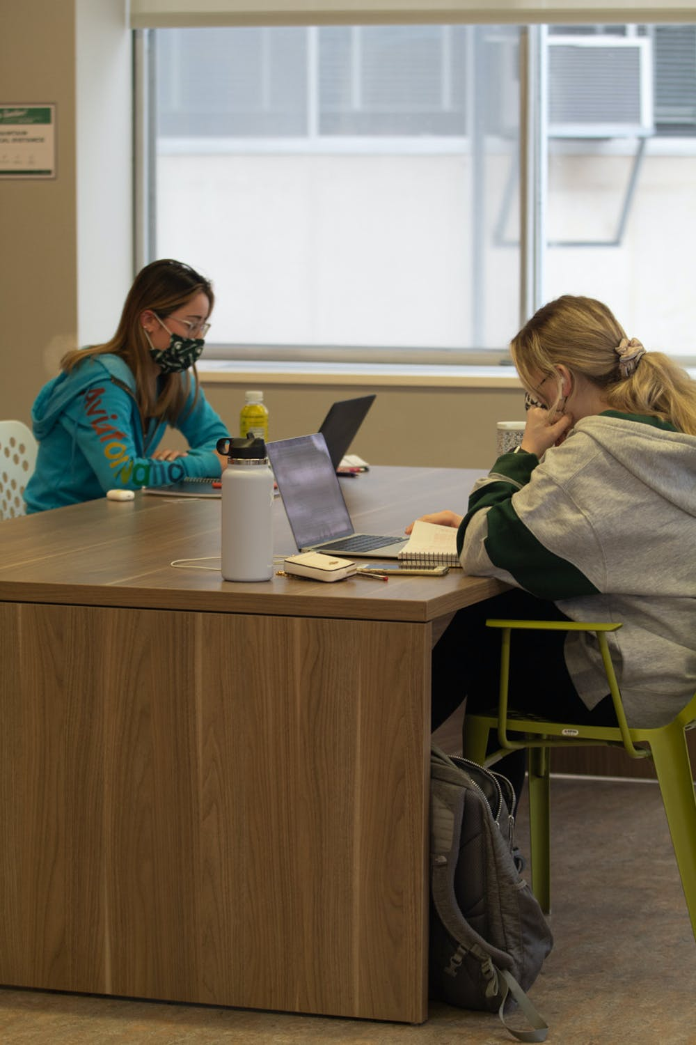 <p>Bella Demay (left) and Jenna Rizzi (right) studying in a McDonel study lounge, Tuesday, Jan. 19.</p>