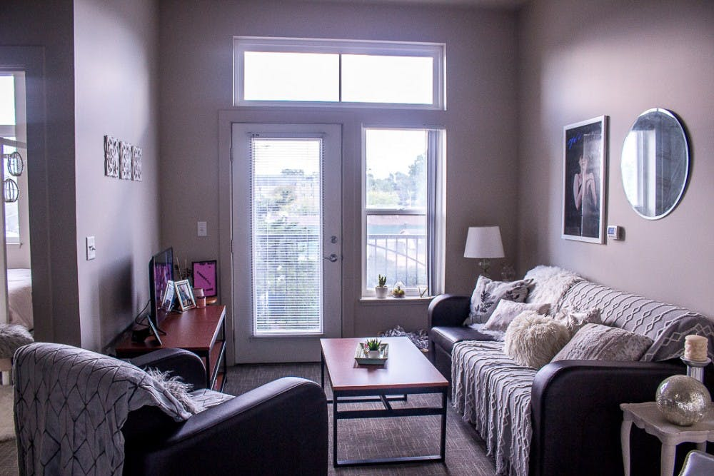 <p>The interior of a two bedroom, two bathroom apartment in 300 Grand Apartments located at 300 W. Grand River Ave, East Lansing, MI.&nbsp;</p>
