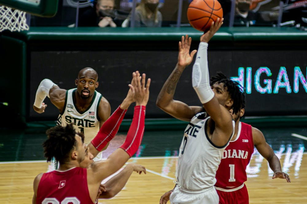 Junior guard Aaron Henry shoots a floater on Mar. 2, 2021. Henry had an all-around performance with 22 points, eight rebound and five assists in the Spartan victory against the Hoosiers.
