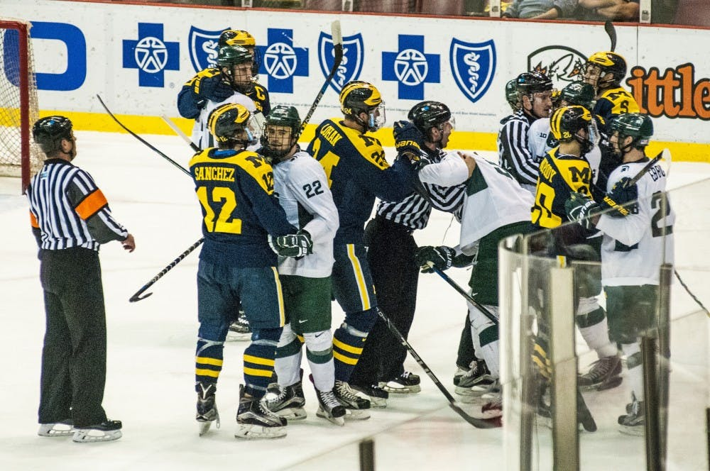 nwa_hkc_great_lakes_invitational_hockey_vs_university_of_michigan05_123016
