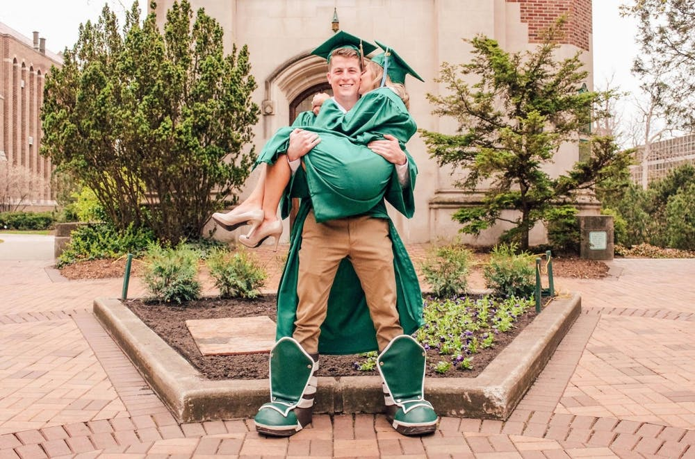 alumni-couple-photo
