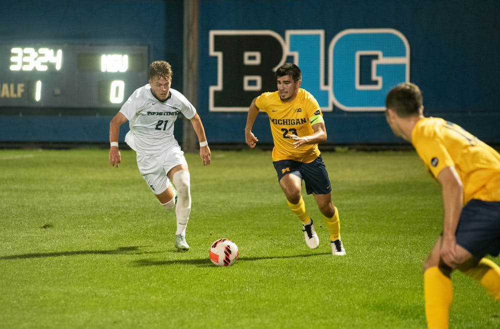 <p>Michigan State&#x27;s freshman forward Zack Babiak (21) competes with University of Michigan&#x27;s fifth-year midfielder Marc Ybarra (23) in the tied game on Oct. 5, 2021.</p>