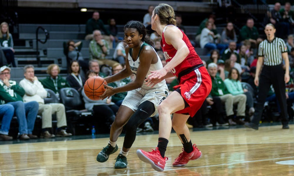 Freshman guard Nia Clouden drives for a layup against Ohio State. The Spartans lost to the Buckeyes, 70-77, on Feb. 21, 2019 at the Breslin Center.