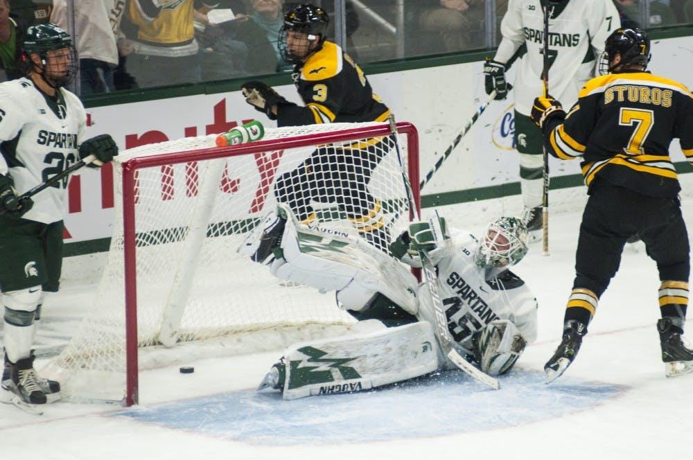 nwa_hkc_hockey_vs_michigan_tech03_110416