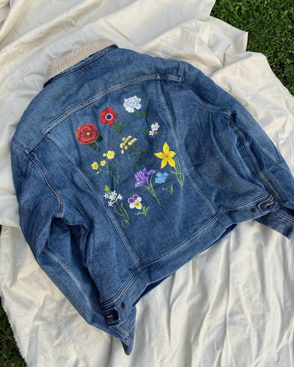 "Inspired by Sam Smith's ""Love Goes"" album merchandise, these flowers took Vanessa Villarreal 15 hours to paint."