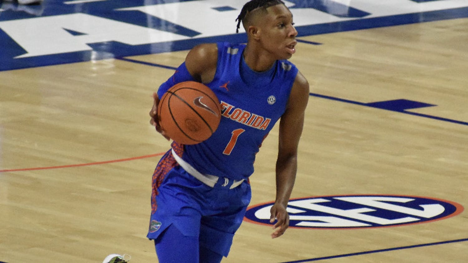 Kiara Smith dribbles in a 77-70 loss against  Alabama on Feb. 18. The 5-foot-10-inch redshirt senior dropped a career-high 36 points Thursday in a season-ending loss against Kentucky.