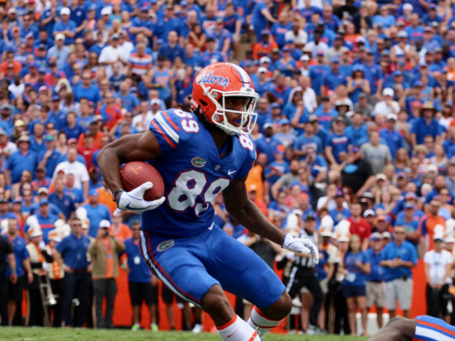 UF wide receiver Tyrie Cleveland runs with the ball after a catch during Florida's 26-10 win against Tennessee on Saturday at Ben Hill Griffin Stadium.