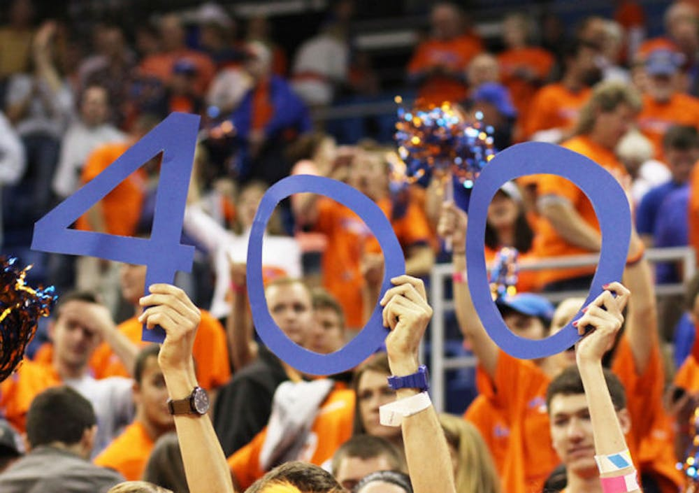 <p>Gators fans commemorate coach Billy Donovan's 400th win at Florida. Donovan secured the victory in No. 10 Florida's 83-52 win against No. 17 Missouri on Saturday.&nbsp;</p>