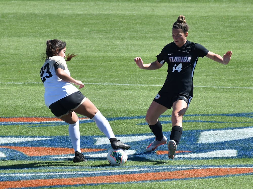 After Florida's Friday match against FAU was canceled,  the Gators beat the Cougars 5-1 Saturday afternoon.