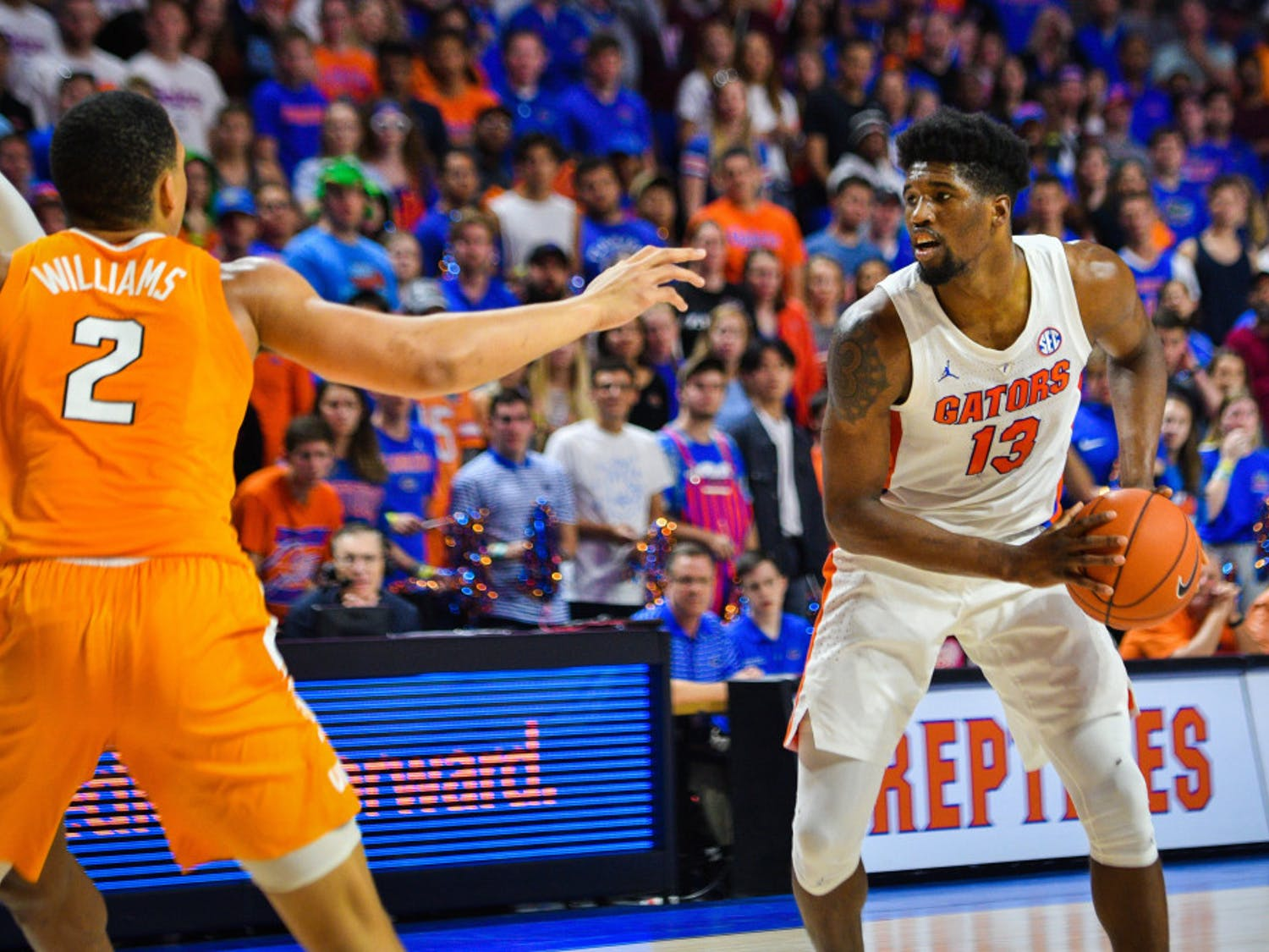 Florida center Kevarrius Hayes scored 11 points on 3-of-4 shooting on Tuesday against Auburn.