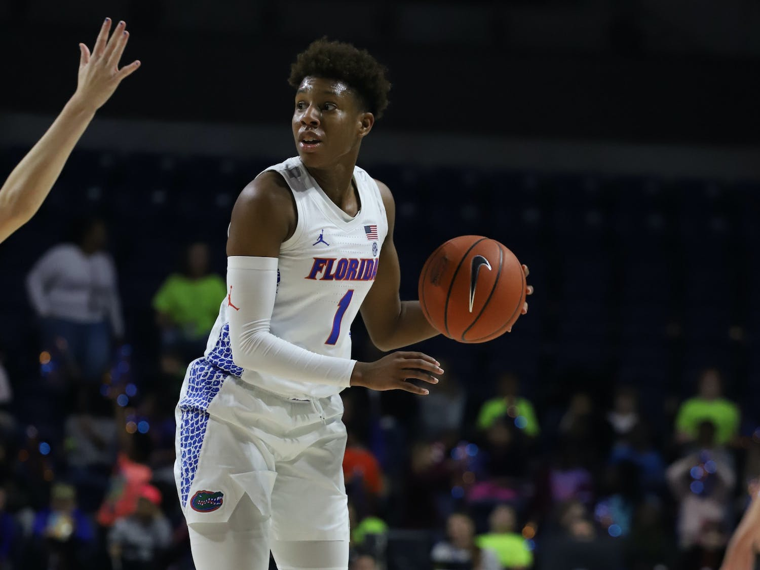 Florida guard Kiara Smith drained the first basket in the Gators' game against the FAU Owls Monday.