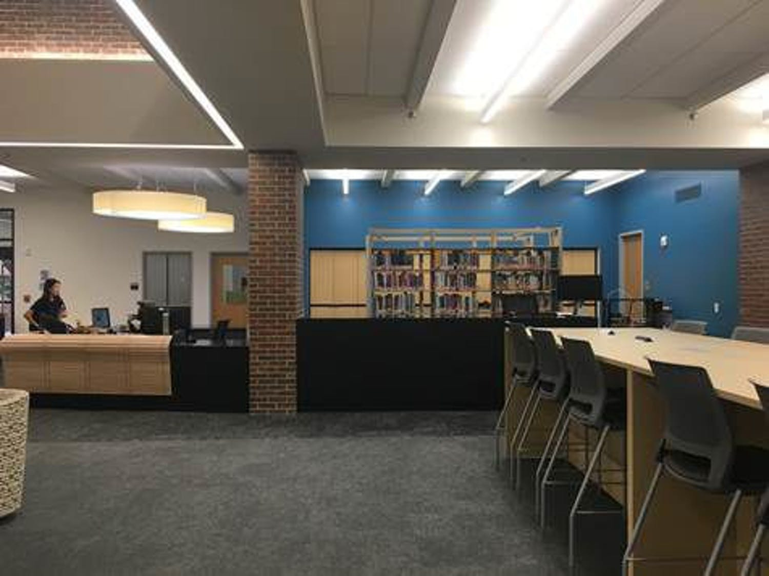 The UF Education Library's circulation desk after the renovation
