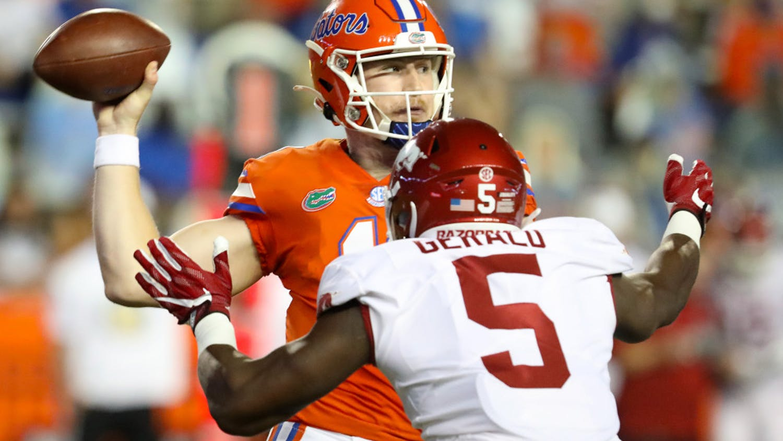 Gators quarterback Kyle Trask prepares to throw the football in Florida's game versus Arkansas at Ben Hill Griffin Stadium on Nov. 14, 2020.