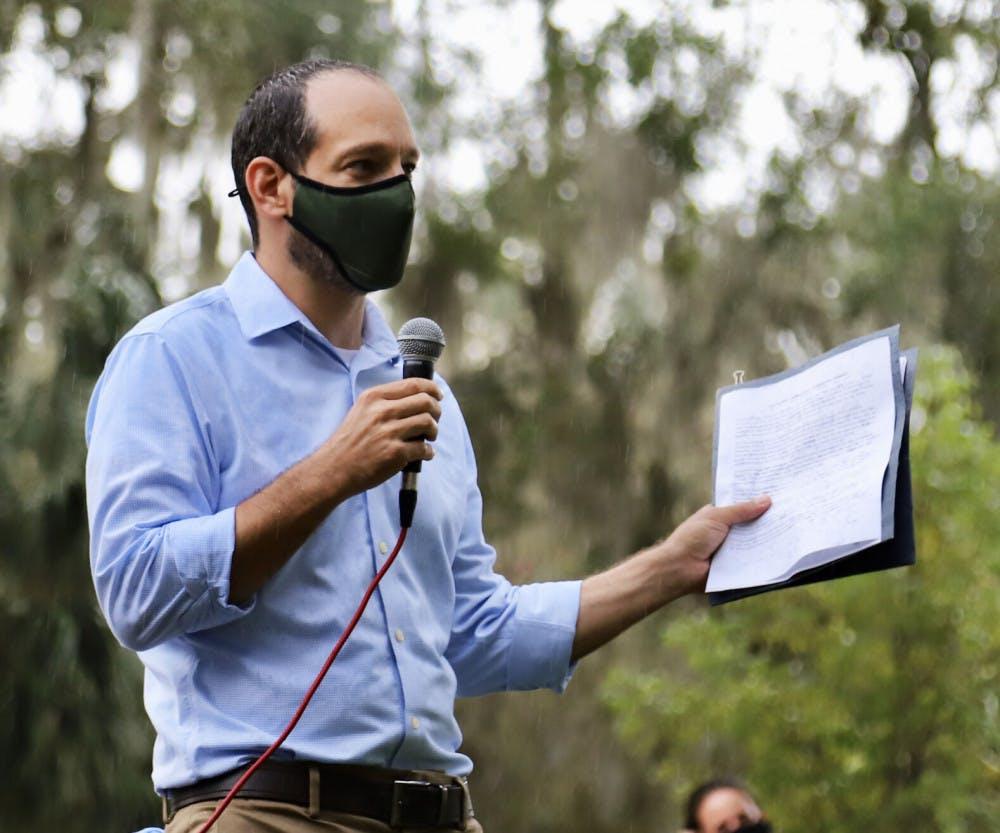 A picture of David Kaplan speaking