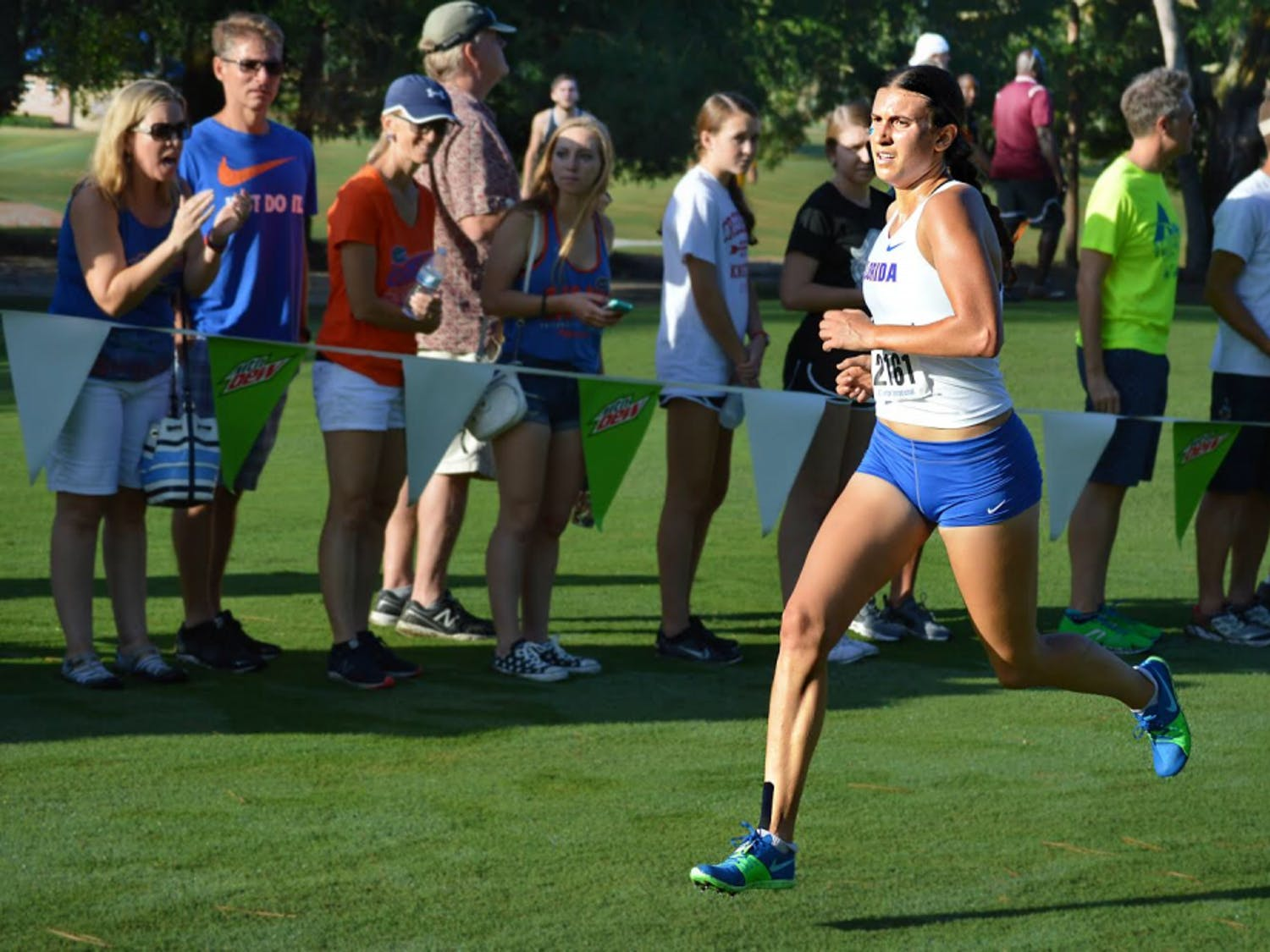 Senior Jessica Pascoe made program history as the first women's runner to notch four title wins in the first four meets of a season.