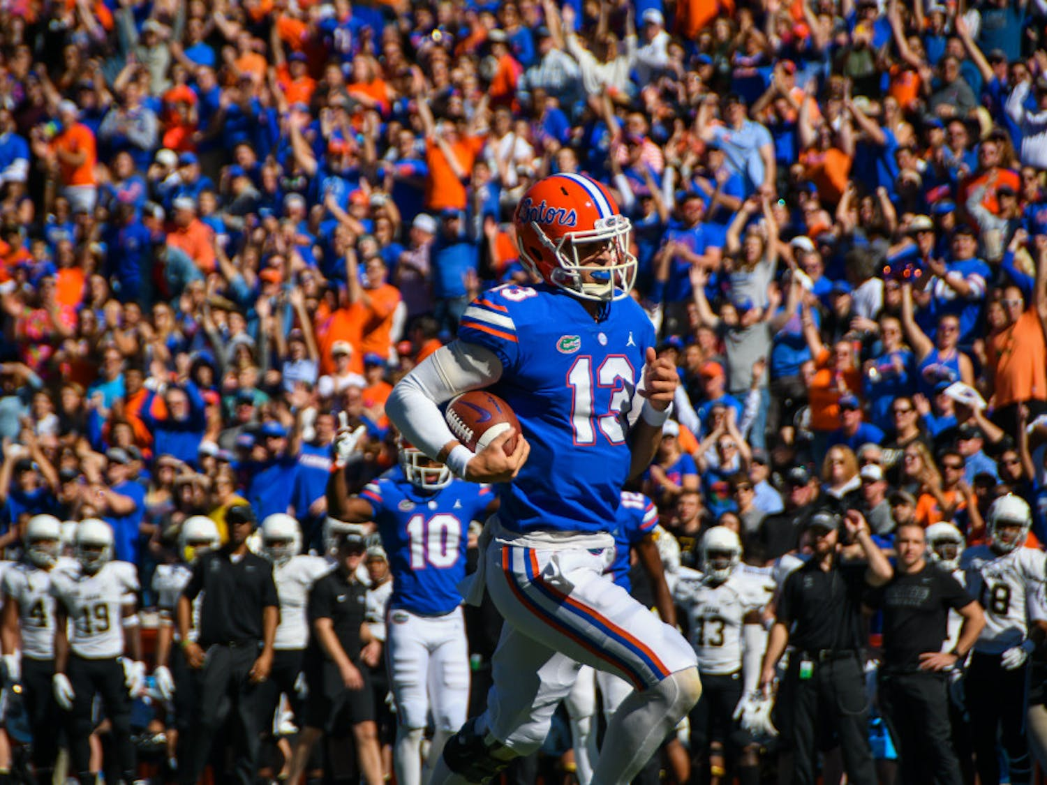 Florida quarterback Feleipe Franks went 19-for-27 with 274 yards and three touchdowns during UF's win over Idaho.