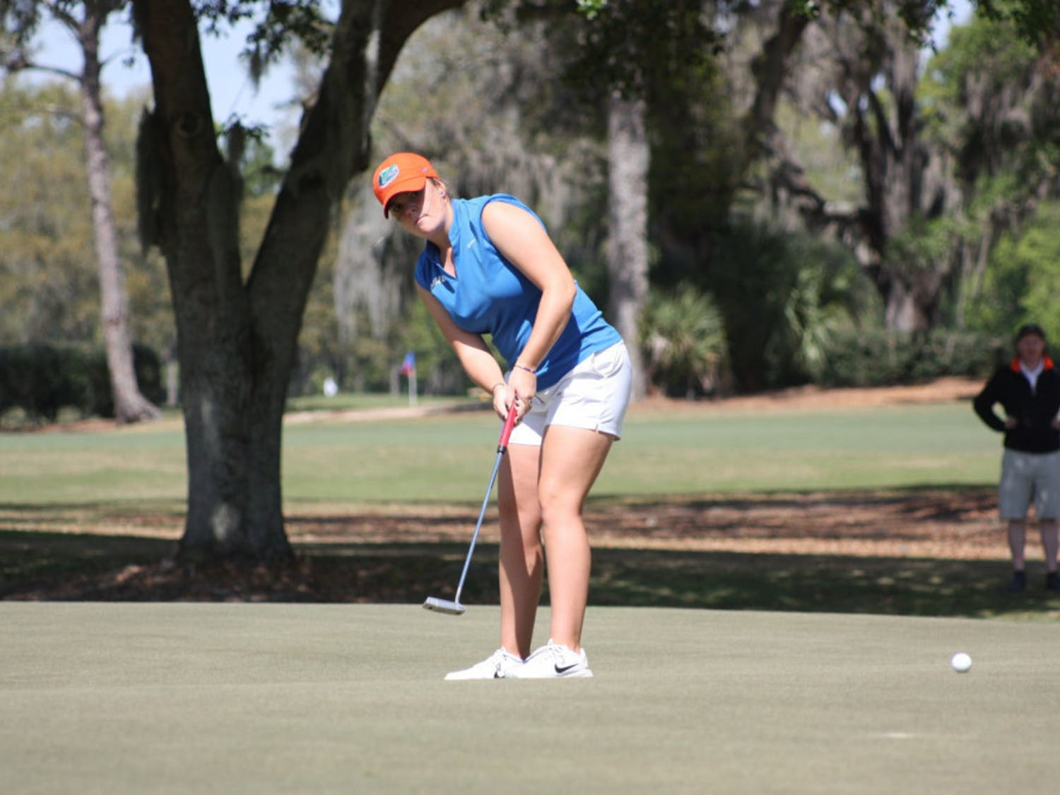 Junior Marta Perez finished Day 1 of the SEC Tournament in a tie for second place at three-under par.