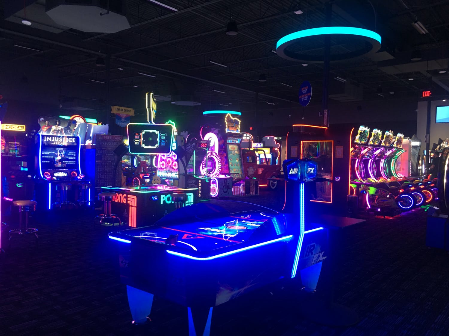 """The Dave & Buster's """"Million-Dollar Midway"""" features a number of classic arcade games."""