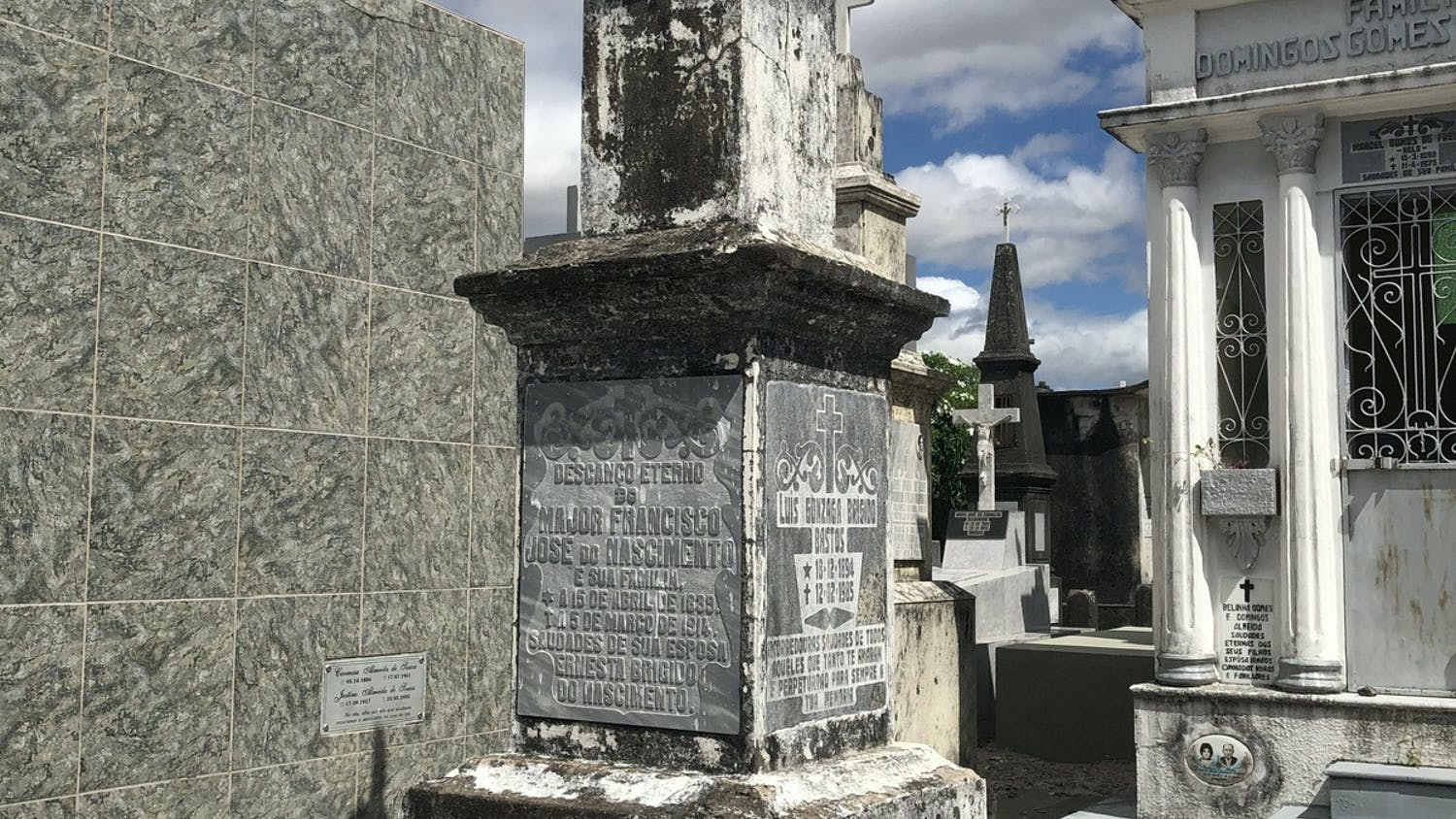 "The tomb of Francisco José do Nascimento, nicknamed ""Sea Dragon,"" caked in dirt when UF history graduate student Licinio Nunes de Miranda found it in July. [Courtesy of Licinio Nunes de Miranda]"